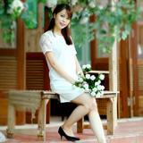 Váy suông trắng phối ren thanh lịch
