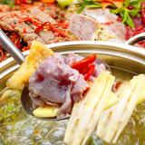 Lẩu bò nhúng dứa ngon lạ kèm Bò nướng đặc sản