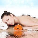 Massage Body kết hợp đá nóng và tinh dầu thư giãn