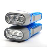 Bộ 2 đèn pin tự sạc tiện lợi