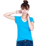2 áo phông đơn sắc cổ tim