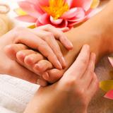 Thư giãn với massage toàn thân tại Hương Linh Spa
