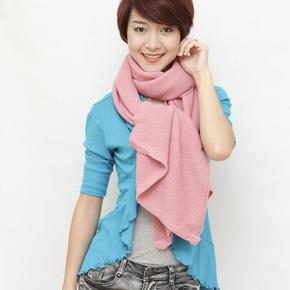 Ấm áp với khăn len móc thời trang