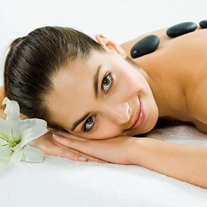 Massage toàn thân bằng gừng tươi kết hợp đá nóng