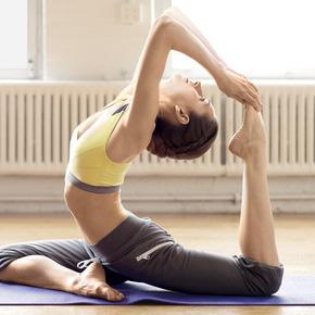 Khóa học Yoga 12 buổi tại CLB Dáng Xinh