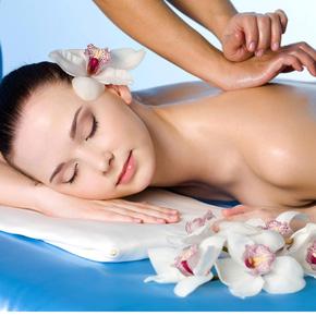 Xông hơi, massage body thư giãn toàn thân
