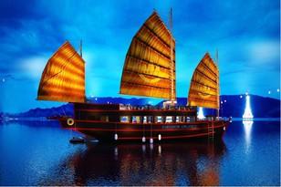 Khám phá Du Thuyền 5 sao Emperor Cruises