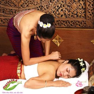 Massage trị bệnh hội chứng văn phòng, stress cho giới văn phòng tại Cleopatra Spa