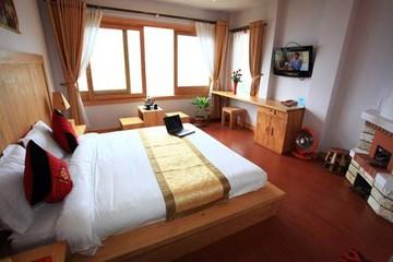 Khách sạn Sapa View 3 sao - Ngay dưới chân núi Hàm Rồng tại Đà Nẵng