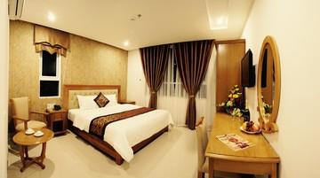 Royal Family Hotel 3* Da Nang - 2 phút tản bộ đến biển Mỹ Khê tại Hồ Chí Minh