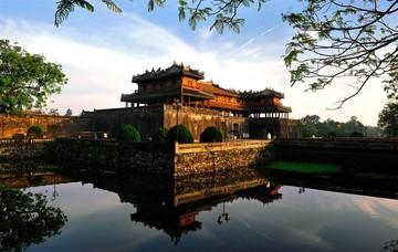 Tour Đà Nẵng - Huế 1 ngày - Ăn trưa Buffet hơn 40 món tại Hồ Chí Minh