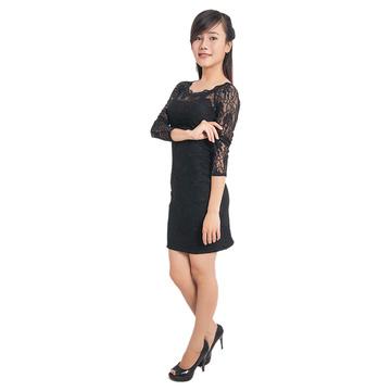 Đầm ren đen body tay lỡ