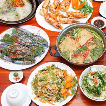 Chọn 1 trong 2 set hải sản nhà hàng Cua Vàng