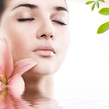 Chăm sóc da mặt trắng sáng với tinh chất Vitamin C