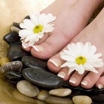 Massage chân đá nóng tại Secret Spa