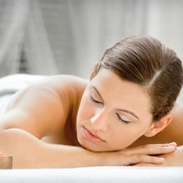 Massage body tinh dầu tại IVY Spa