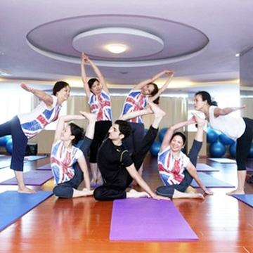 Tập Yoga với giảng viên Ấn Độ+ Zumba Hương Anh Spa