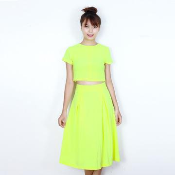 Bộ váy áo crop top màu neon sành điệu