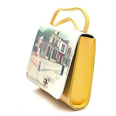 Túi xách hoa văn xinh xắn
