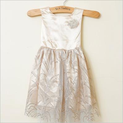 Váy công chúa xinh xắn cho bé gái