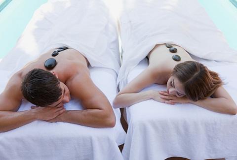 Massage đá nóng tại D'oro Spa (60 phút), áp dụng cho cả khách hàng NAM & NỮ, giúp cơ thể thư giãn, khỏe mạnh hơn - Chỉ với 99.000đ