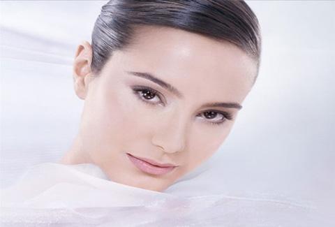 Làm trắng toàn thân bằng công nghệ đánh bóng kết hợp bột trân châu làm trắng ĐỘC QUYỀN tại Spa Minh Nguyệt chỉ 260.000đ