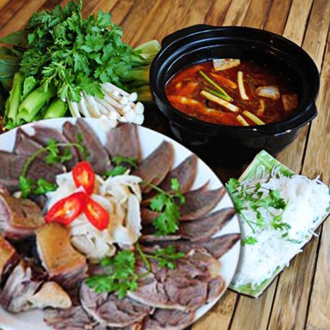 Set ăn: 01 món lẩu + 01 món phụ tự chọn dành cho 2 -3 người tại nhà hàng Bún Và Lẩu V