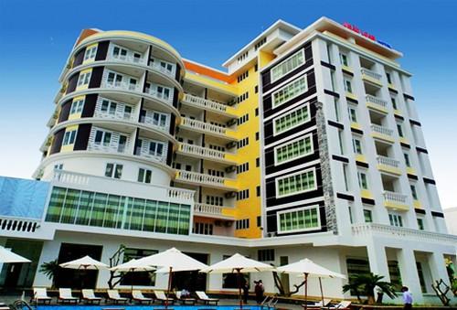 Khách sạn 3* Châu Loan Nha Trang, cách bãi tắm biển 90m. Phòng Superior kèm buffet sáng cho 2 người. Chỉ 650.000đ/đêm