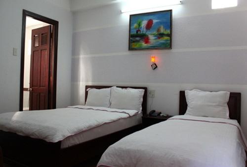 Khách sạn Ken (Nha Trang) - Phòng Deluxe cho 03 người trong 02 ngày đêm chỉ với 480.000đ