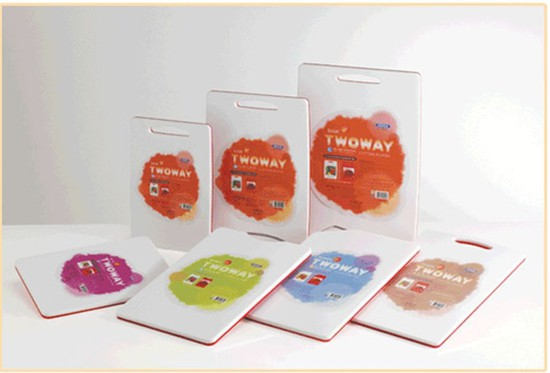 Bộ 02 Thớt nhựa kháng khuẩn Komax (HÀN QUỐC), an toàn tuyệt đối khi sử dụng chỉ với 247.000đ
