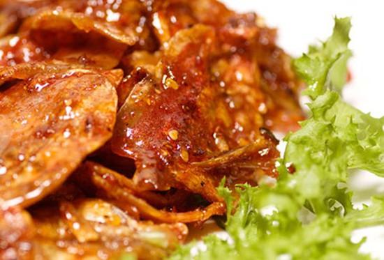 Cùng nhâm nhi món Mực ngào tỏi ớt Ngon Ngon do Công ty TNHH SX - TM Quốc Tế D&T sản xuất - Chỉ với 90.000đ