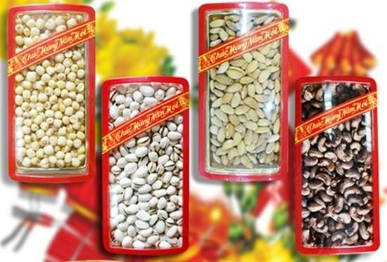 Hạt dẻ, Hạt điều còn vỏ, Hạnh nhân, Hạt sen (hộp lớn 500gram) thơm ngon, giòn rụm - Chỉ 125.000đ/ 01 hộp.