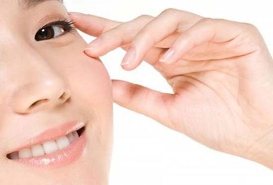 Gói 03 dịch vụ: Chạy tinh chất C (02) cho mặt + Đắp Collagen cho mắt + săn chắc cơ mặt tại Happiness spa - Chỉ 190.000đ