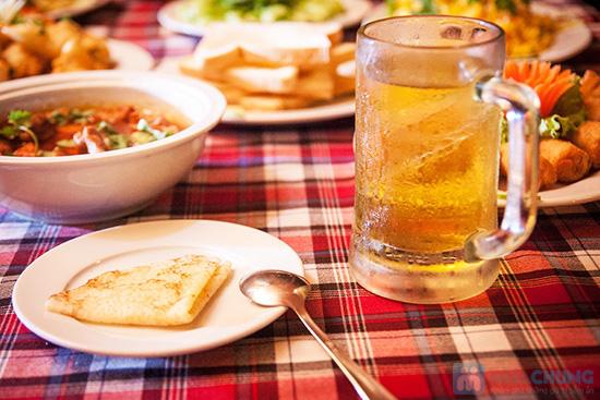Set ăn 8 món: bánh mì cuộn cá chiên, gỏi thơm tôm thịt... trên du thuyền 5 sao Indochina Junk. Chỉ 290.000đ/ 01 - 13