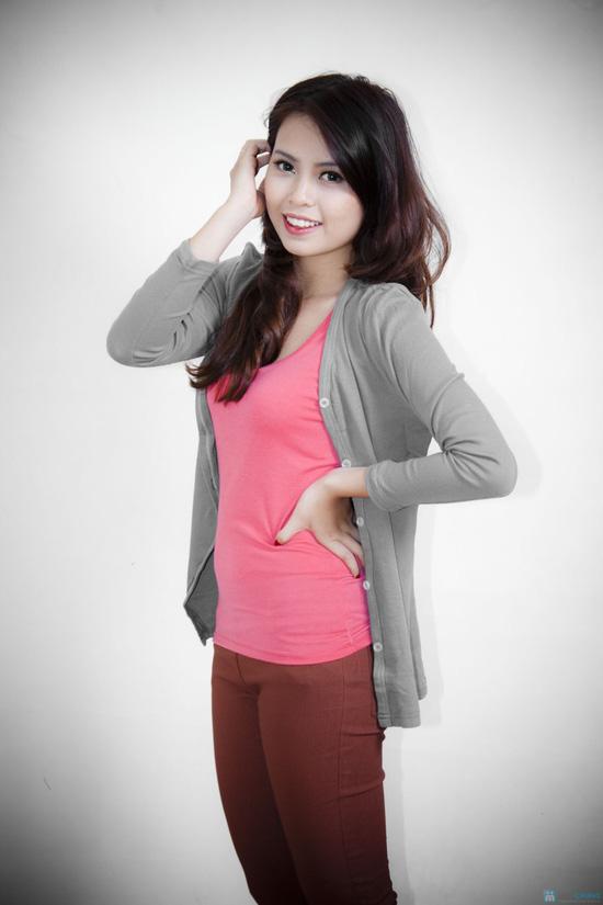 Nữ tính cùng áo khoác nhẹ dài tay - 11