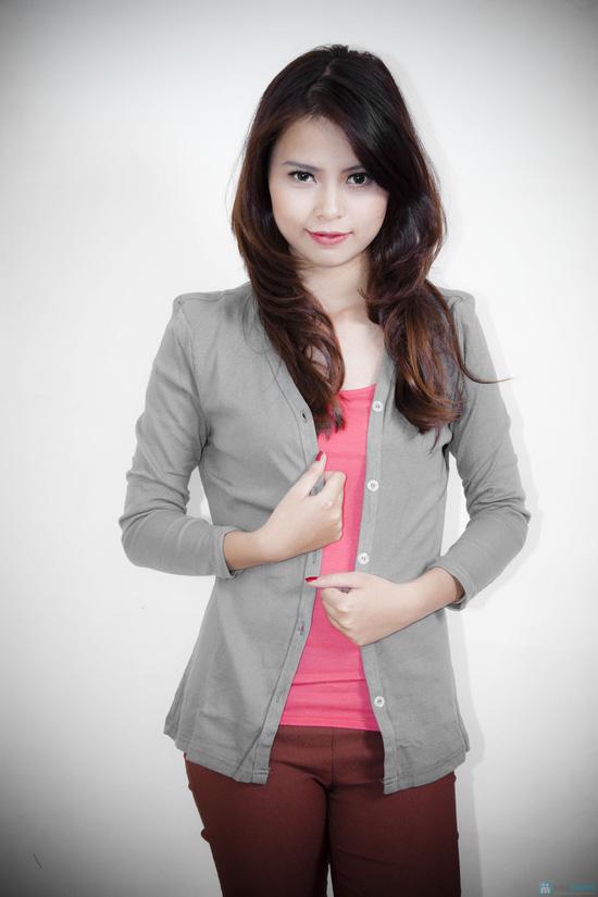 Nữ tính cùng áo khoác nhẹ dài tay - 9