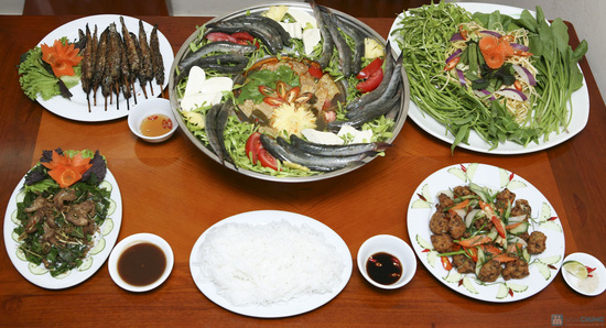 Đặc sản Lẩu cá kèo thơm ngon cho 04 người tại Vũ Thạnh Quán. Chỉ 403.000đ - 2