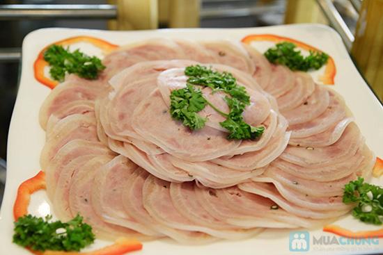 Thưởng thức buffet trưa với hơn 60 món tại nhà hàng Quê Hương. Chỉ 140.000đ/ 01 người - 6