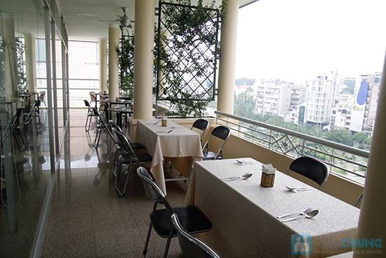Thưởng thức buffet trưa với hơn 60 món tại nhà hàng Quê Hương. Chỉ 140.000đ/ 01 người - 30