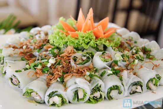 Thưởng thức buffet trưa với hơn 60 món tại nhà hàng Quê Hương. Chỉ 140.000đ/ 01 người - 12