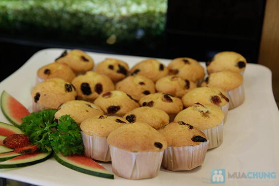 Thưởng thức buffet trưa với hơn 60 món tại nhà hàng Quê Hương. Chỉ 140.000đ/ 01 người - 2