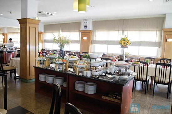 Thưởng thức buffet trưa với hơn 60 món tại nhà hàng Quê Hương. Chỉ 140.000đ/ 01 người - 29