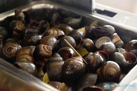 Thưởng thức buffet trưa với hơn 60 món tại nhà hàng Quê Hương. Chỉ 140.000đ/ 01 người - 20