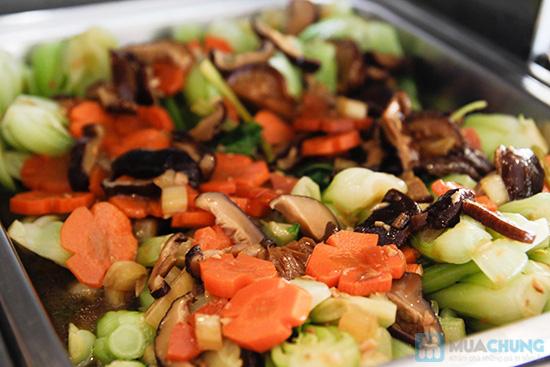 Thưởng thức buffet trưa với hơn 60 món tại nhà hàng Quê Hương. Chỉ 140.000đ/ 01 người - 27