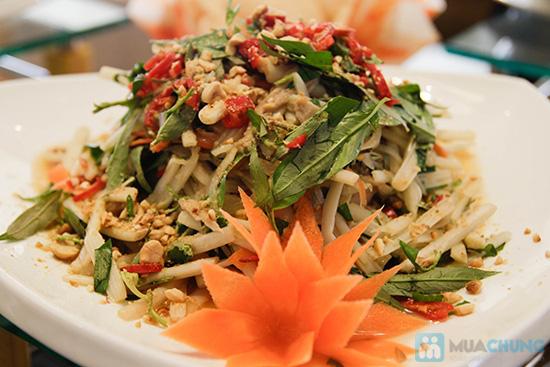 Thưởng thức buffet trưa với hơn 60 món tại nhà hàng Quê Hương. Chỉ 140.000đ/ 01 người - 15