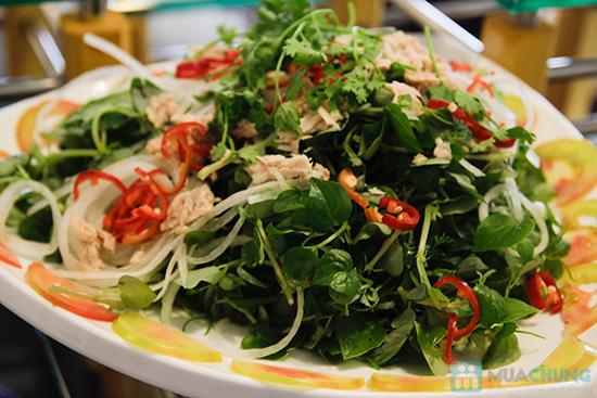Thưởng thức buffet trưa với hơn 60 món tại nhà hàng Quê Hương. Chỉ 140.000đ/ 01 người - 16