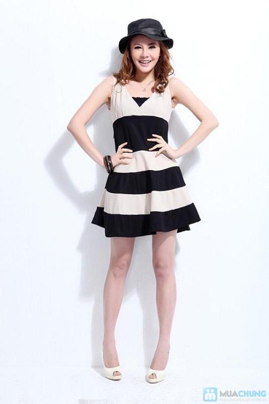 Bạn gái trẻ trung và dễ thương với đầm kẻ sọc chân váy xòe xinh xắn - Chỉ 135.000đ/01 chiếc - 7
