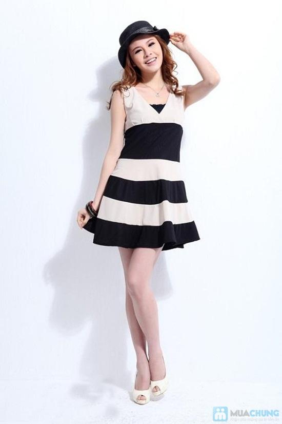 Bạn gái trẻ trung và dễ thương với đầm kẻ sọc chân váy xòe xinh xắn - Chỉ 135.000đ/01 chiếc - 5