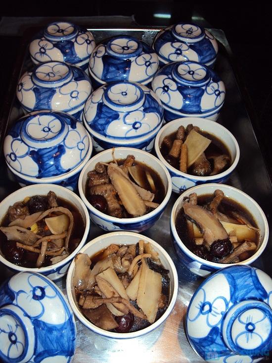 Buffet tối (2, 3, 4, 5) với các món Âu, Việt, Thái tại Nhà hàng Toppers - Chỉ 198.000đ/ 01 người - 2
