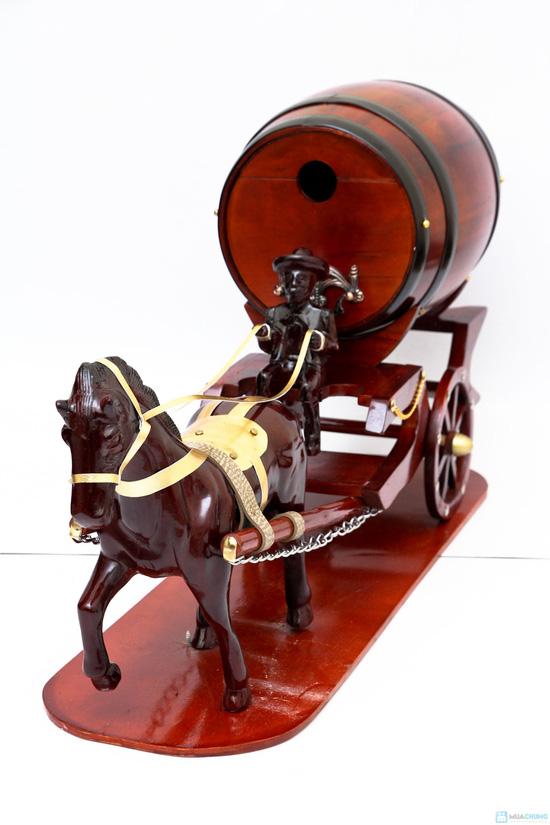 Xe ngựa để rượu vang